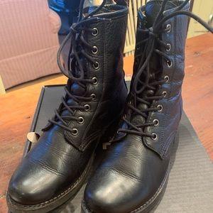 Frye combat boot size 8